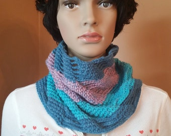 "SALE*** Crochet cowl, ""Paige Cowl"", winter scarf"