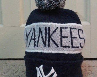 New York Yankees Cooperstown Collection bobble beanie hat navy blue/used