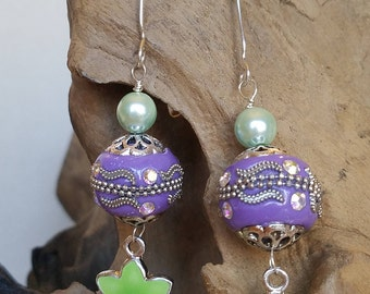 In time for spring! Purple and green earrings!