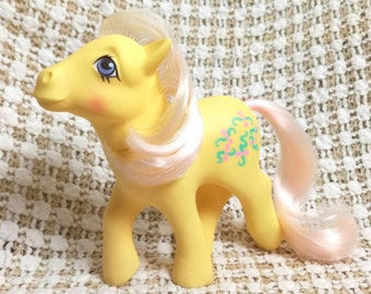 Vintage My Little Pony Kiss Curl Reverse Symbols Aqua Green Curls Pink Ribbons Variation Very Rare MLP G1 1984 Yellow Pony Fading Hair UK