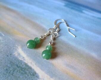 Green Adventurine Earrings/Short Dangle Earrings/Silver Earrings/Jade Green