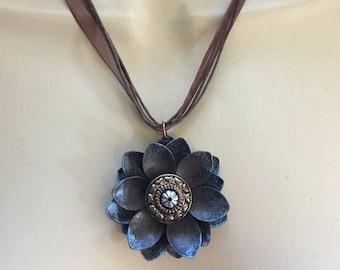 Metal Flower Pendant Necklace Blue&Brown Rustic