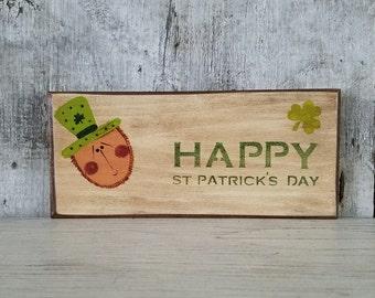 Primitive Happy StPatricks Day Primitve Leprechaun