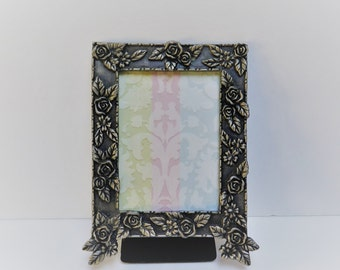 Rose covered Picture Frame  2.5 x 3.5 Antiqued  Pewter colored / silver colored heavy metal frame