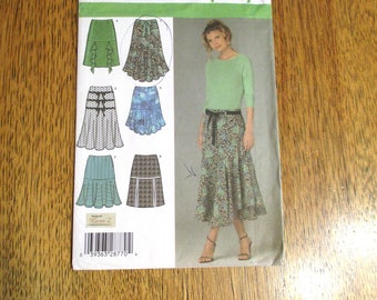 BOHO Gypsy Skirt / Tiered, HIPSTER Gored Ruffle Skirt w/ Pretty Flounces - Plus Size (14 - 22) - UNCUT ff Sewing Pattern Simplicity 4753
