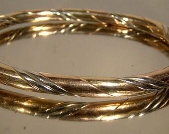 Three Color 10k Gold Hinged Oval Bangle Bracelet 1970s 10 K Multi Color