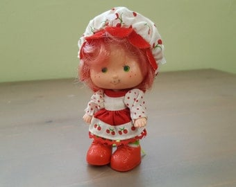 Vintage Cherry Cuddler Doll -  Strawberry Shortcake Original Characters Party Pleaser Kenner 1980s Retro Unique Gift Sister Mom Daughter