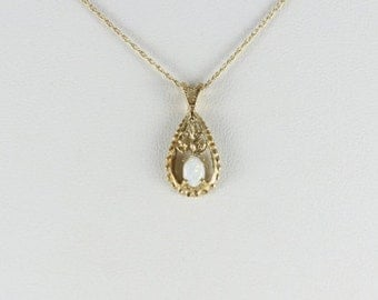 "14k Yellow Gold Opal Necklace 18"" Chain"