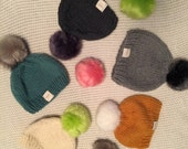 Whyte adult women's chunky wool knit toque with faux fur pom pom
