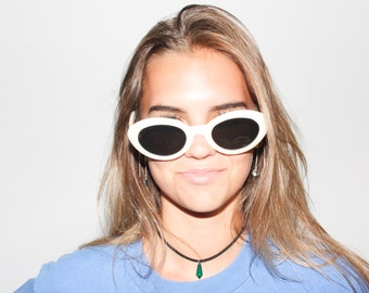 90s Pearl Deadstock Cobain Style Cat Eye Sunglasses