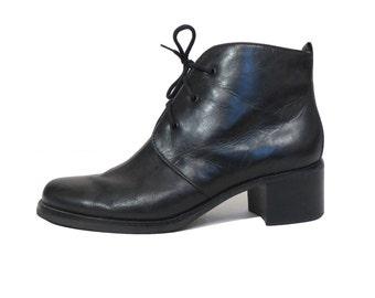Vintage Designer Etienne Aigner Black Leather Lace Up Ankle Boot Size 7