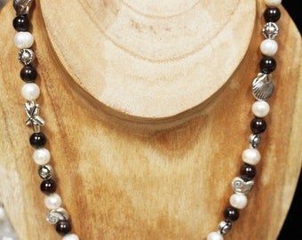 Garnet and Pearl Necklace // January Birthstone Necklace // Garnets with Ocean elements