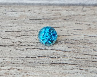 3.07 carat Greenish-Blue Zircon 7.25mm Round Shaped Loose Gemstone
