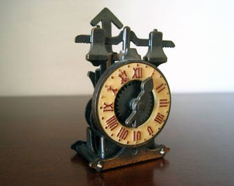 Vintage Metal Clock Pencil Sharpener with Roman Numerals – Weights and Dial Moves