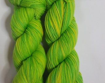 Hand dyed Merino Nylon yarn, 4-ply, Sock weight, 100g, MOJITO, yellow, green, sock yarn