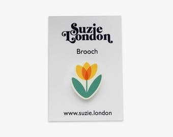 Tulip Brooch in Yellow – 70s retro Dutch Scandinavian flower pin by Suzie London