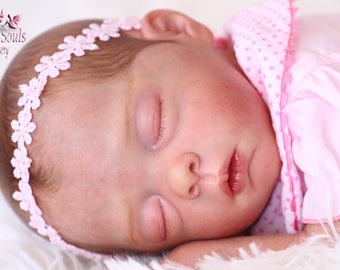 Reborn baby girl, Mavie by Evelina Wosnjuk, preemie