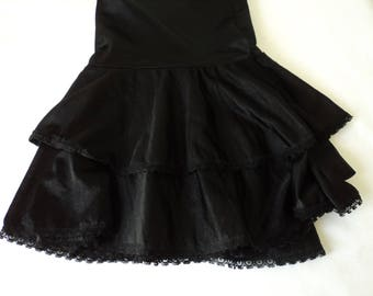 French Vintage black nylon and lace frilled waist underskirt / petticoat (04779)