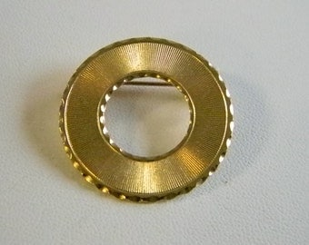 Round Gold Tone Open Pin Brooch