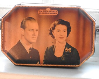 Royal souvenir tin