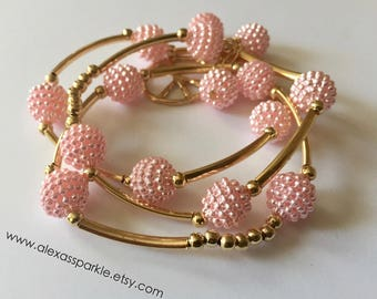 Pink honeycomb bracelet set with goldplated connectors and beads / Pulseras panal color rosa con separadores de chapa de oro