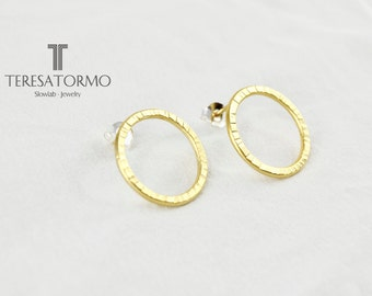 Gold earrings hoops