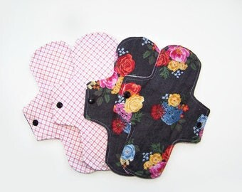 "Set Of Four 9"" Ash Floral Reusable Menstrual Pads"