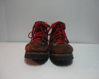 Vintage Waffle Boots Made by Sears Roebuck size 10 1/2 medium