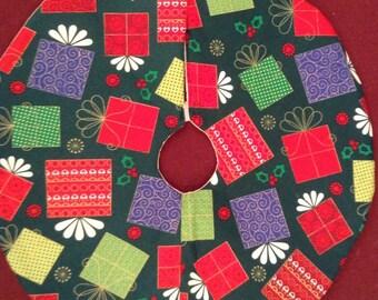 Mini present everywhere tree skirt