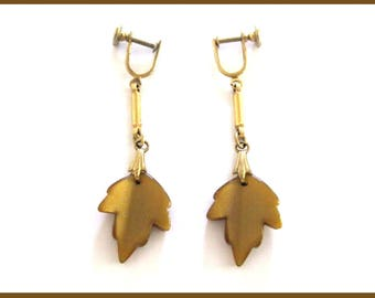 Vintage Brown Maple Leaf Earrings Thermoset Lucite