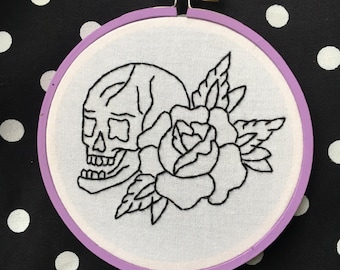 "4"" Skull Rose Embroidery Hoop Art"