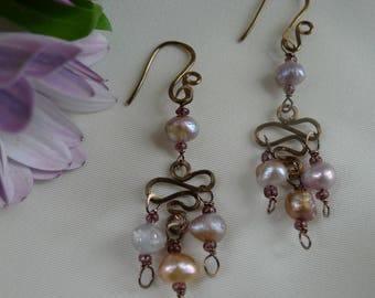 Pearl earrings with bronze wire*pearls in champagne tones* pearl dangle earrings*bohemian dangle earrings with pearls