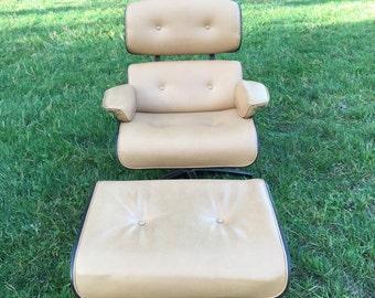 Vintage Eames Style Lounge Chair with Ottoman, Mid Century Modern Lounge Chair, Reproduction Eames Style Chair with Ottoman, Tan Colored