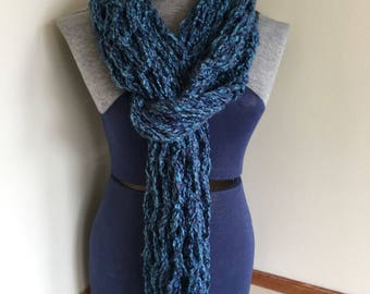 Comfy chunky knit scarf