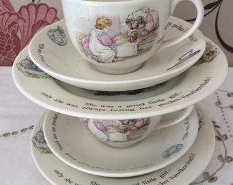 Wedgwood Mrs Tiggy-Winkle, Beatrix Potter 2 Full Size Trios Consisting  2 Tea Cups, 2 Saucers and 2 Side/Tea/Dessert Plates Made in England.