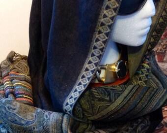 Vintage scarf / / Paschmina Woven wool/Pure Wool / 70 wide x 180 cm/Paisley pattern / stripes / fringe