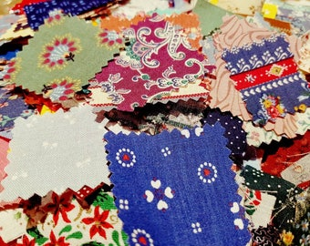 Huge lot of vintage fabric patchwork squares in a mix of sizes 1/2 kg