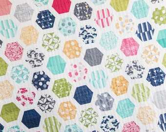 Hexie Framed PDF quilt Pattern / Hexie quilt pattern/ modern quilt pattern/ modern hexie quilt / PDF quilt pattern /Jelly roll quilt pattern