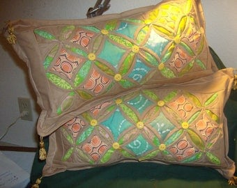Cathedral Window Pillow Set