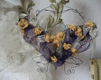 Fil the fer Butterfly with flowers of faded vintage bohemian shabby chic boudoir