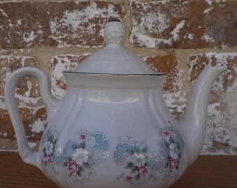 Floral Tea Pot with Lid