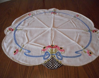 Vintage Muslin Tablecloth with hand Embroidery.