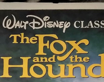 """A Walt Disney Classic """"The Fox and The Hound"""" on VHS tape, Vintage Black Diamond, Clamshell Case."""