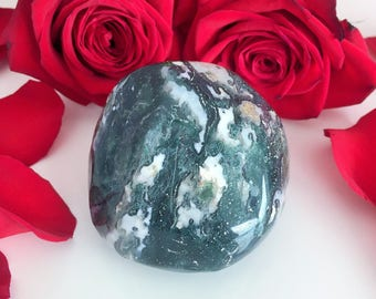Green Moss Agate Crystal Stone Perfect for Chakra Healing