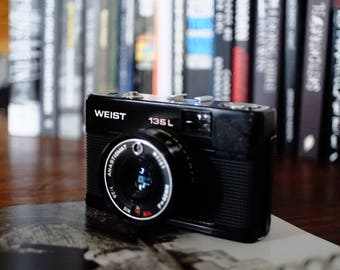 Weist 135 L with New Light Seals. Ready-To-Use Vintage 1970s Auto-Exposure Camera