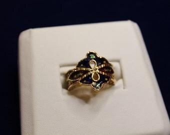 50% Off - Vintage 18K yellopw gold Enameled Ring size 6