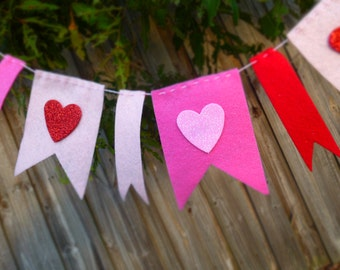 Red and Pink Garland with Hearts
