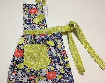 Girl Aprons, Toddlers Apron, Children's Apron, Kitchen Apron, Baking Apron, Kids Apron, Gift for Girls