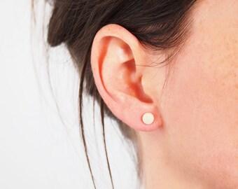 Vegetal ivory stud earrings, white stud earrings, geometrical stud earrings, small stud earrings, ethical gift, modern earrings