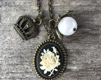 Beautiful Rose Cameo Necklace